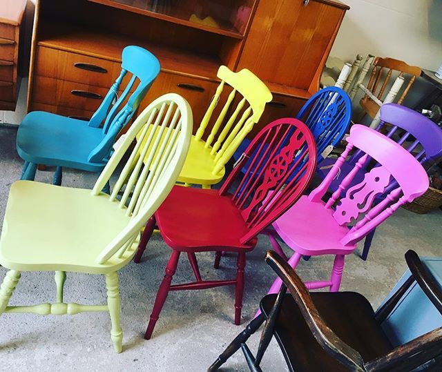 Set of 7 colour pop chairs going out the