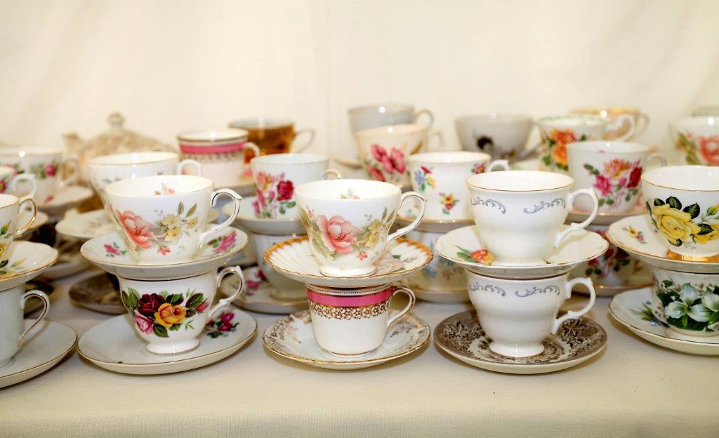 Supplied 100 x Mix & Match Tea Cups