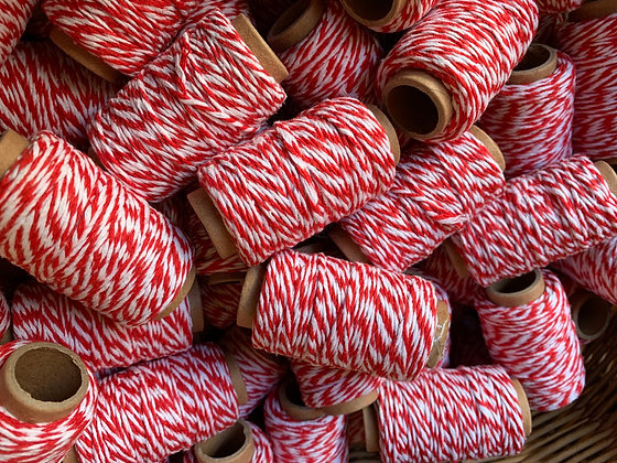 Traditional Red & White Christmas Parcel Twine 30m Reel