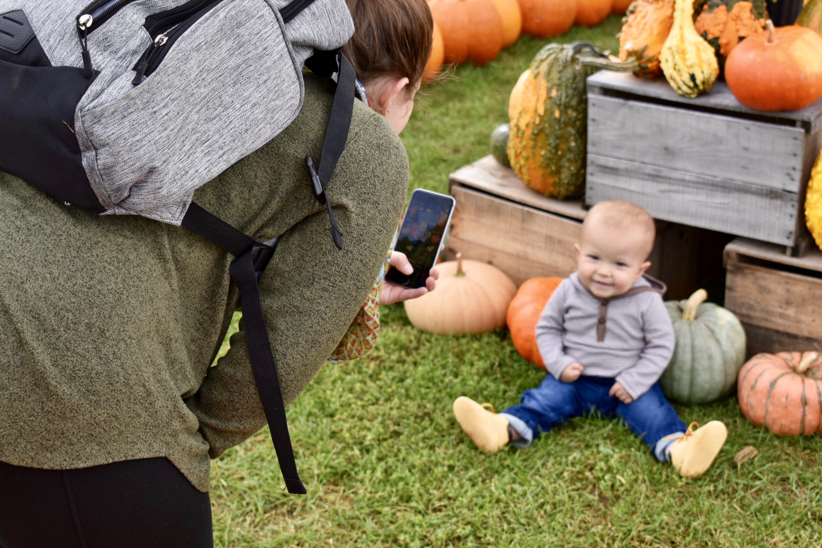 Banker Orchards 2019_K.C. and kid 1