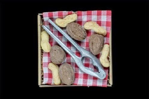 Notenkraker met noten