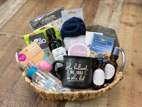 Let's get to know each other - Favorite things giveaway
