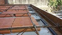 Laje de residência feito em construção nova em procedimento de concretagem da ZIP Engenharia