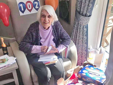 Marion celebrates 102nd Birthday at Oakview Lodge Care Home