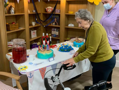 Oakview Lodge Care Home marks Dementia Action Week with a seaside themed day