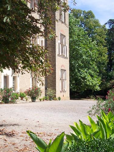 Cour du Château de Cambiac