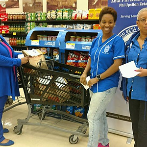 Food Drive at Shoppers for Loudoun County Interfaith Food Bank