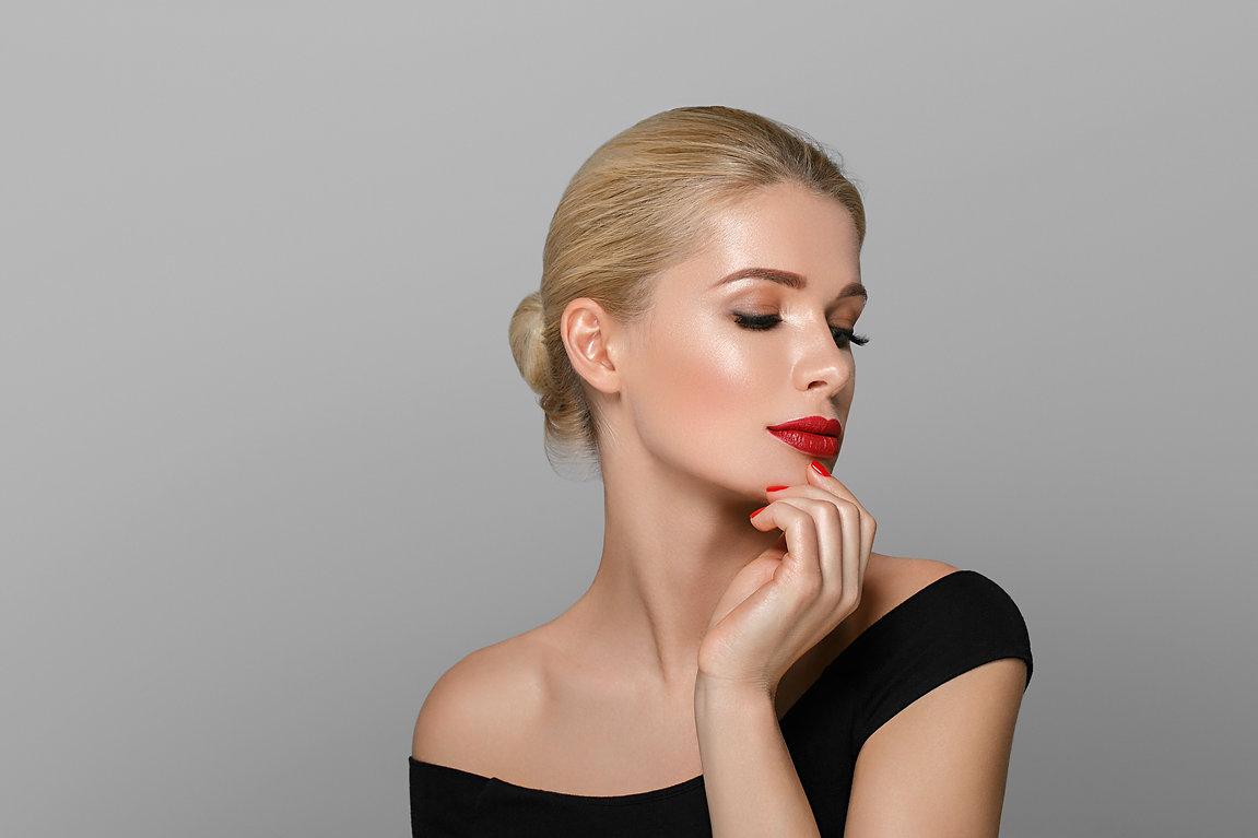 blonde-beautiful-woman-model-over-gray-b