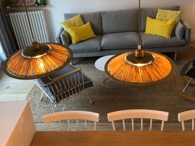 détail luminaire salon