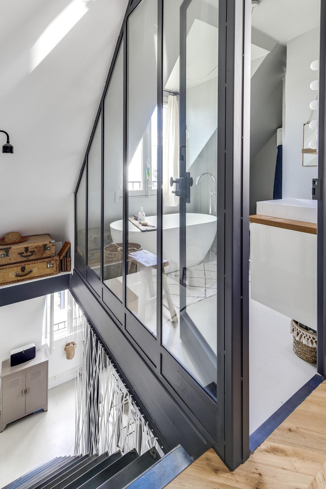Salle de bain avec verrière sécurisée sur mesure