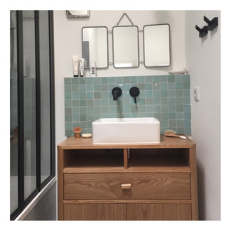 Meuble vasque avec mitigeur encastré