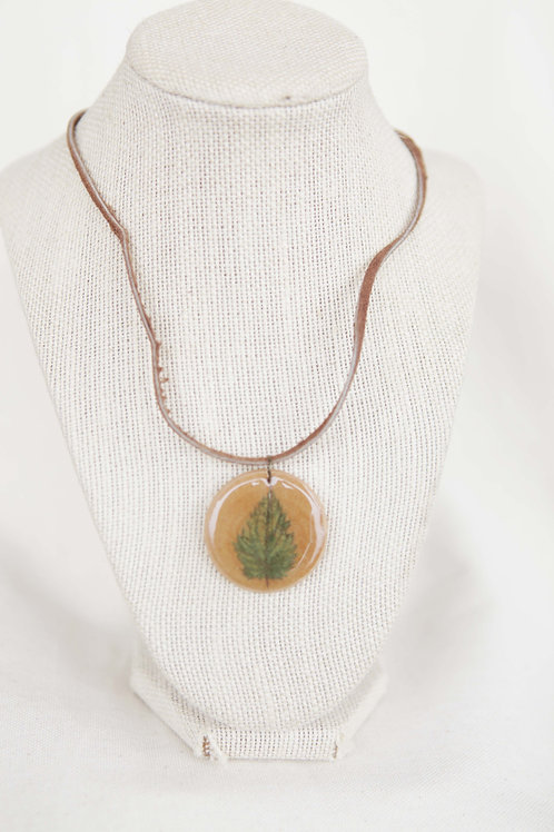 Nettle Leaf Print Wood Round Necklace