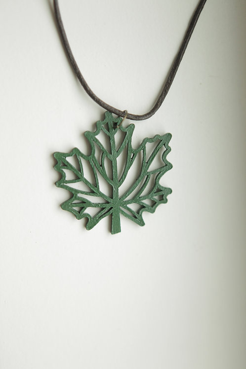 Cutout Maple Leaf Pendant Necklace