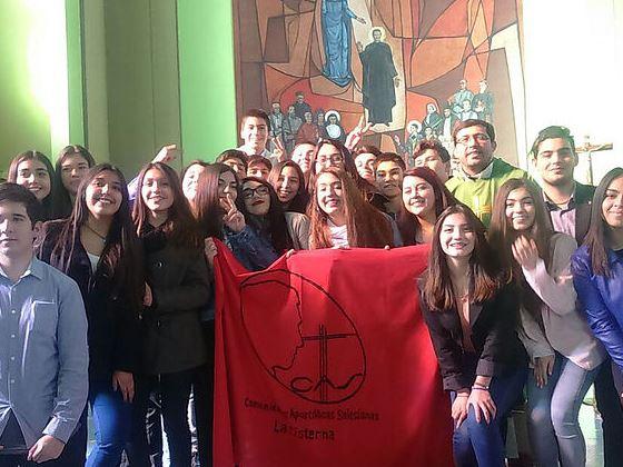 jóvenes de las Comunidades Apostólic