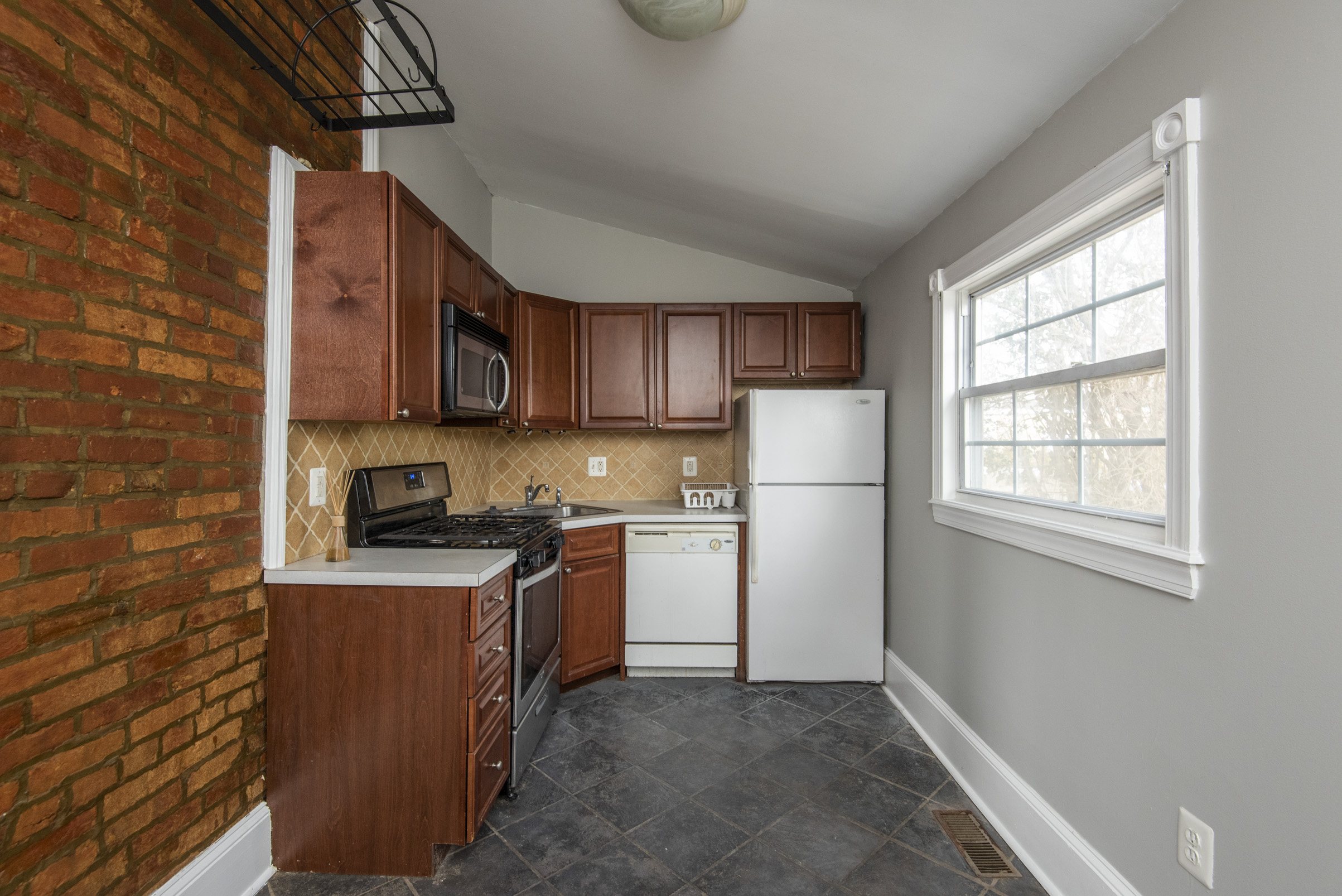 7611 Ridge Ave Unit 1.16.jpg