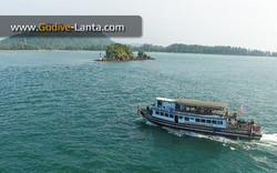 dive-boat11