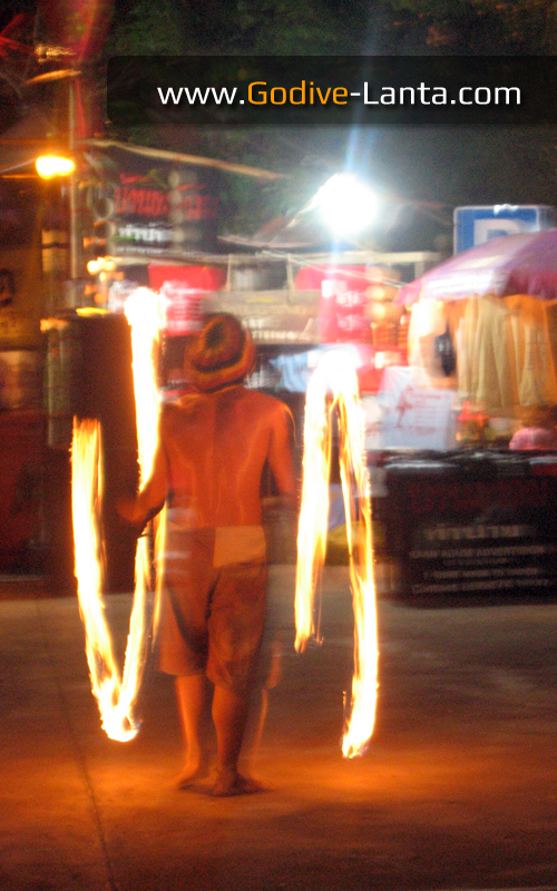 laanta-lanta-festival-fire-show.jpg