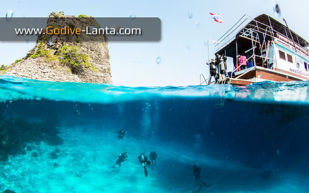 Dive Boat - MV Go Dive comfortable and cozy