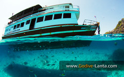 dive-boat-at-koh-5
