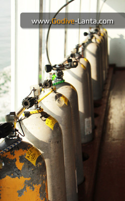 dive-boat-filling-station