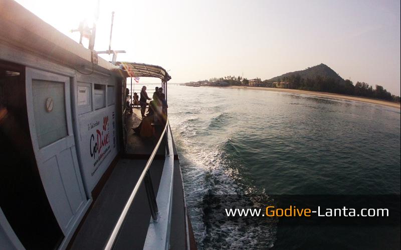 dive-boat04