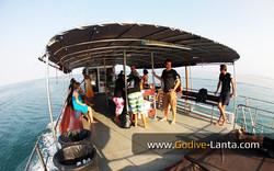 dive-boat01