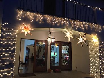 Lit exterior decorations and ornaments