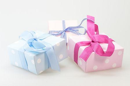 Gift Blue & Pick.jpg