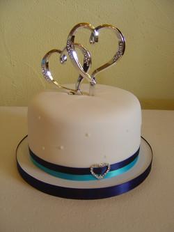 Love & Hearts Wedding Cutting Cake