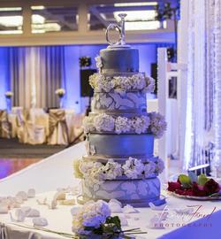 Glam & Floral Wedding Cake