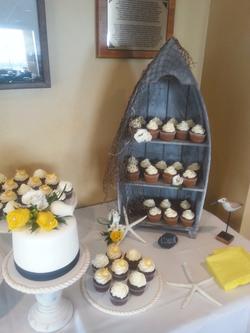 Dory Display Cake & Cupcakes