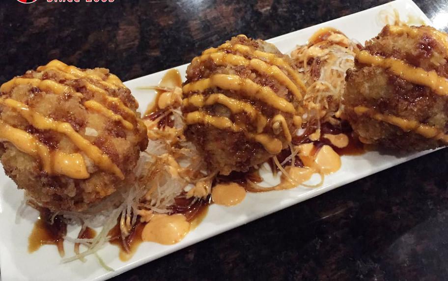 Mk Sushi Western Center- Photo by Tram N