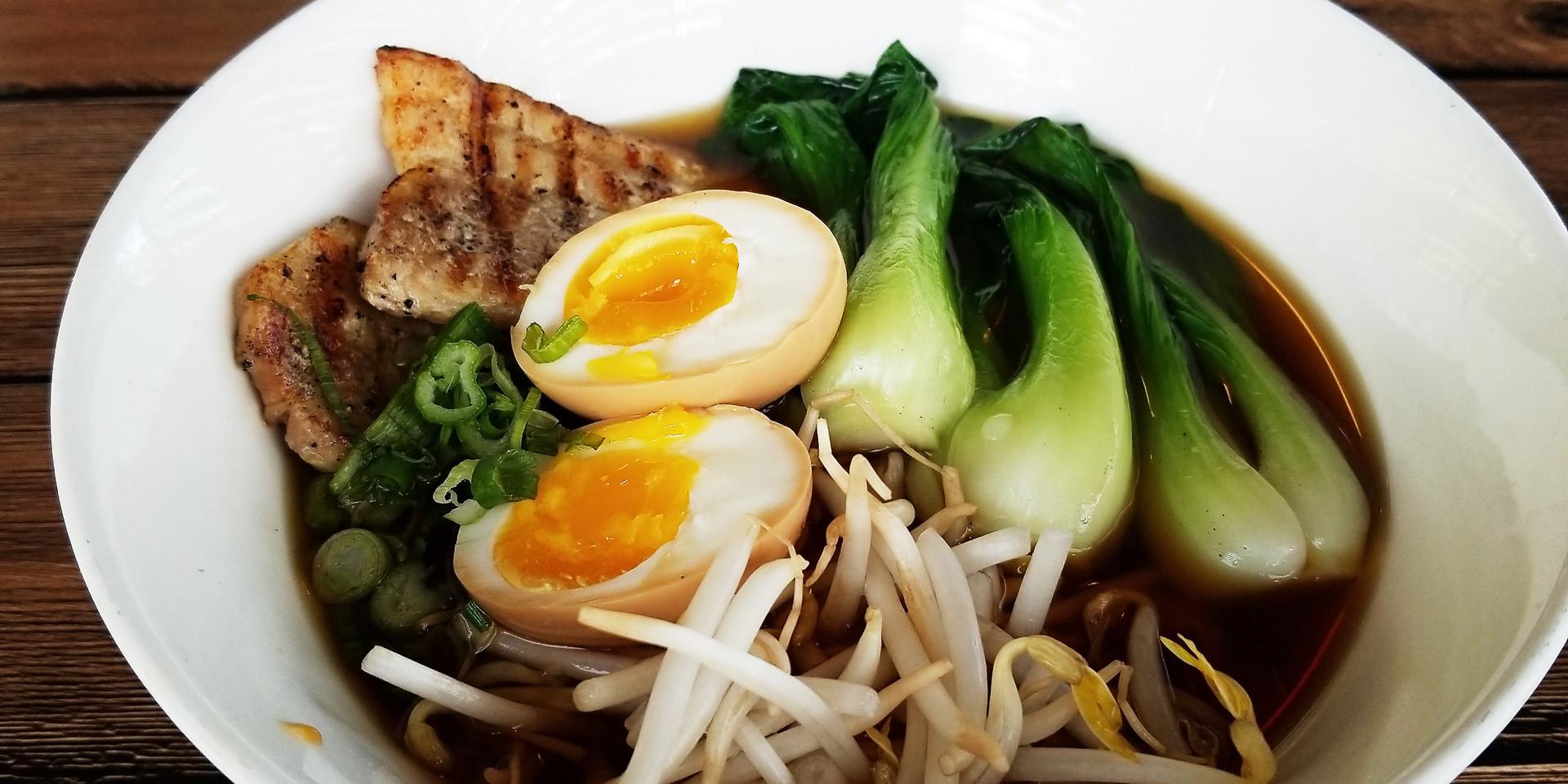 Mk's Sushi_Shoyu Ramen_02.jpg