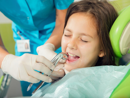Your Implant Dentist in Dallas Shares Tips on How to Overcome Dental Anxiety