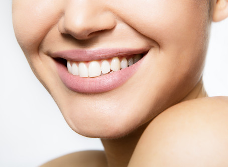 People in Glen Ellyn Ask: Is Teeth Whitening Right For Me? | Dental care of Glen Ellyn