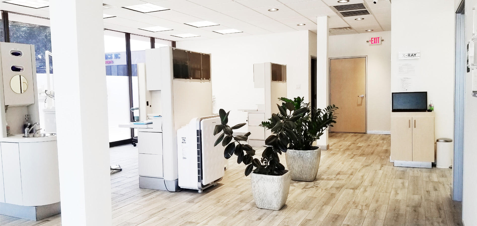 DentUrgent Office Photo (9).jpg
