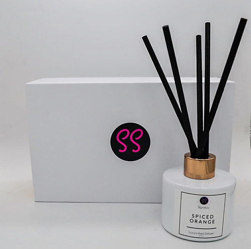 Spiced Orange Luxury Reed Diffuser 100ml. Presented In White & Rose G