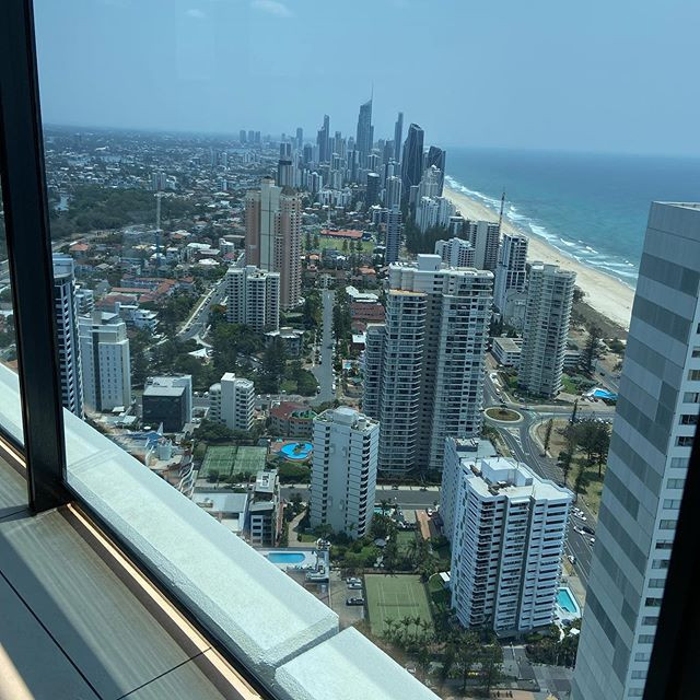 cleaned this glass balustrade at pepper resort. the apartment has views on the entire gold coast coastline. Can see from broadbeach right through to surfers paradise.