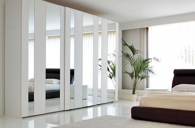 Modern mirrored Fitted Wardrobe