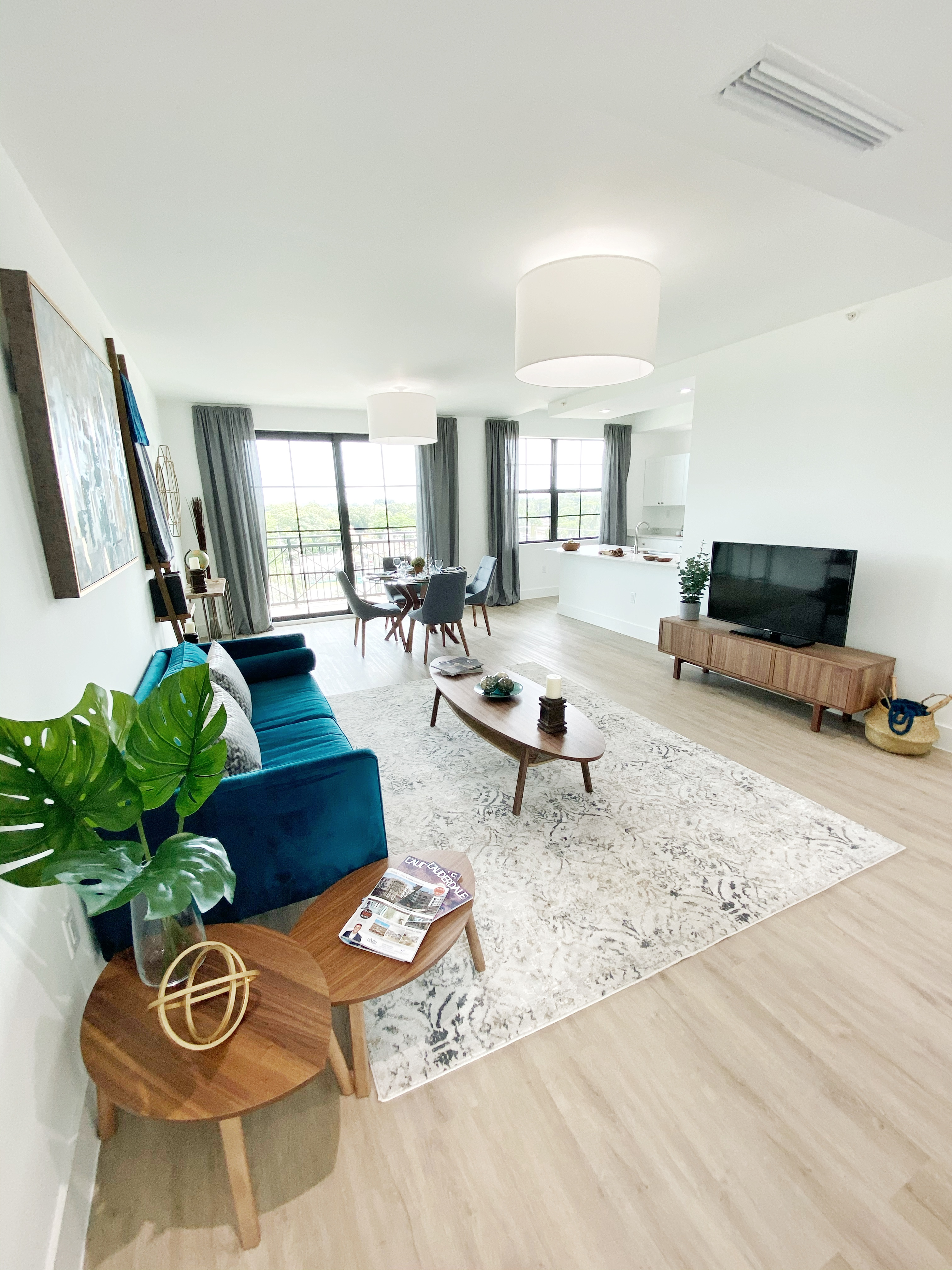 #315 Living Room
