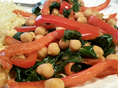 SPINACH, RED PEPPER, & CHICKPEA STIR-FRY