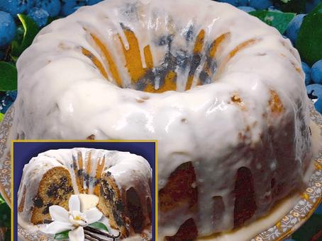 VANILLA, CARDAMOM & BLUEBERRY DRIZZLE CAKE