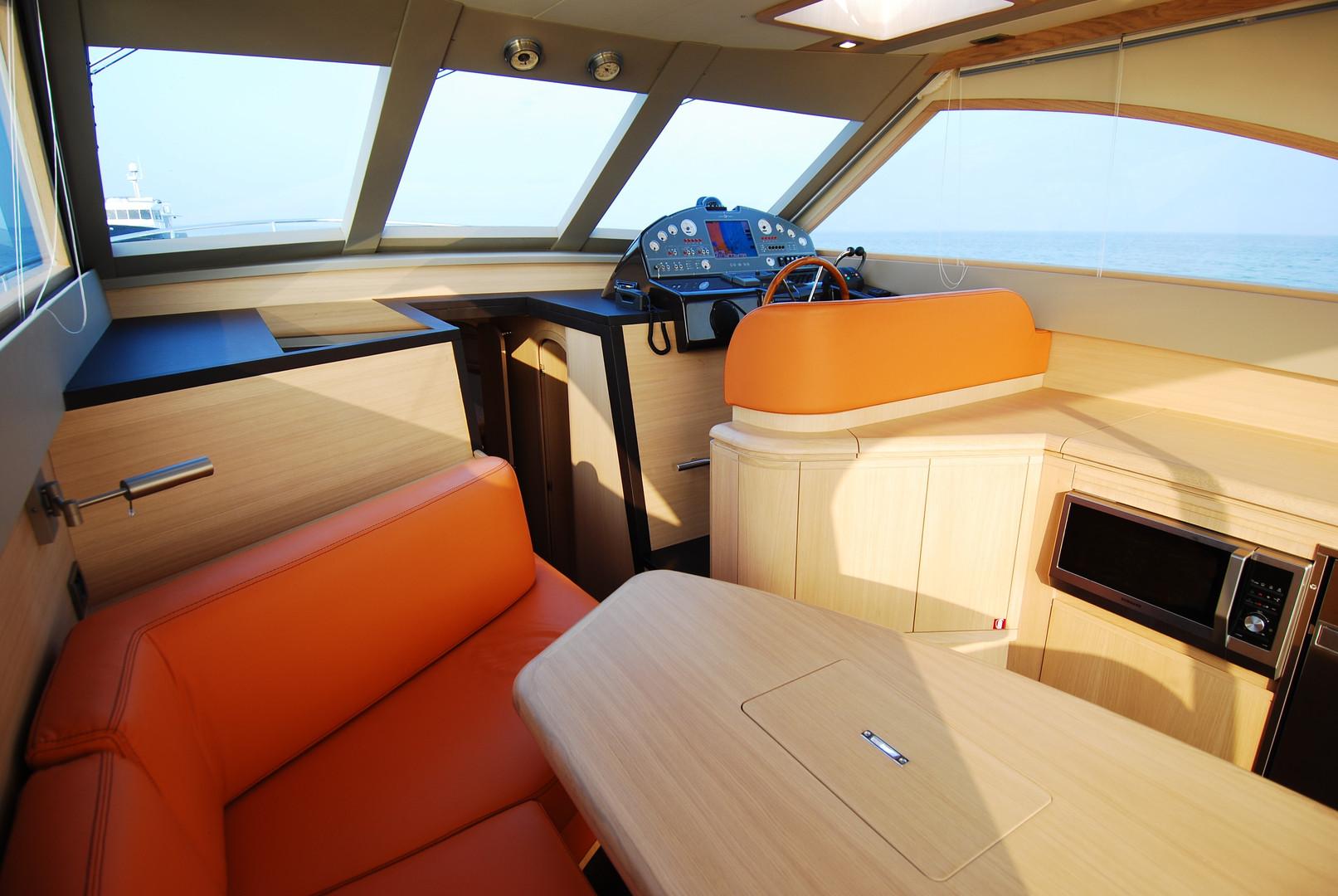 Estensi 440 Goldstar S - Lobster (8).JPG