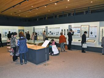 中津記念館 展示替えを行いました。