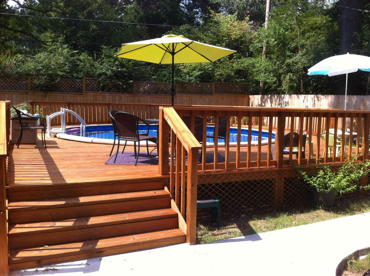 Stained Deck. Memphis TN