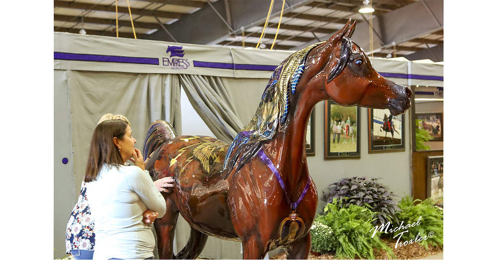 Arabian Horse For Humanity statue Salute