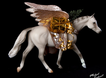 Wrangling Breyer Holiday Horses