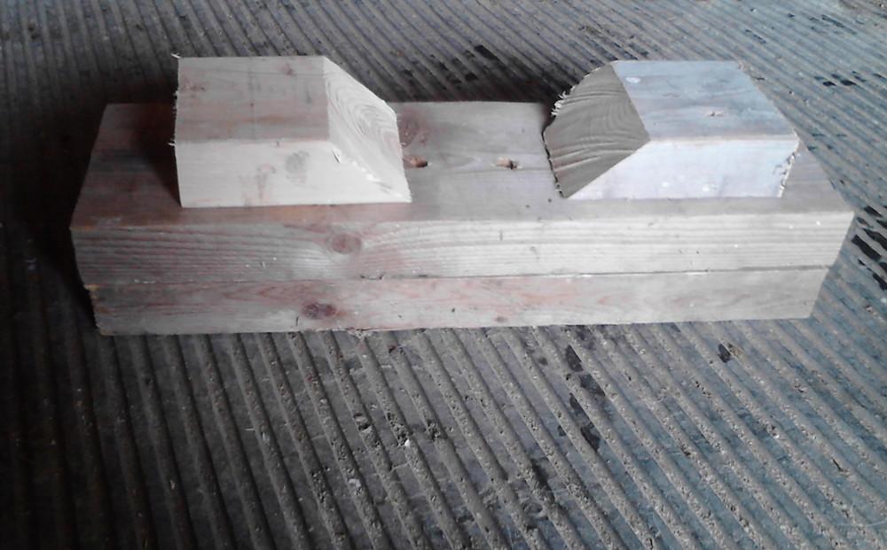 Pole block 5 x7 close up.jpg