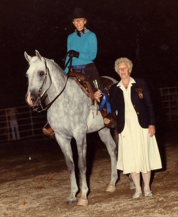 Kathy Troxler showing Arabian stallion Ibn Mabrouk Estes Park-Judge Don Burt