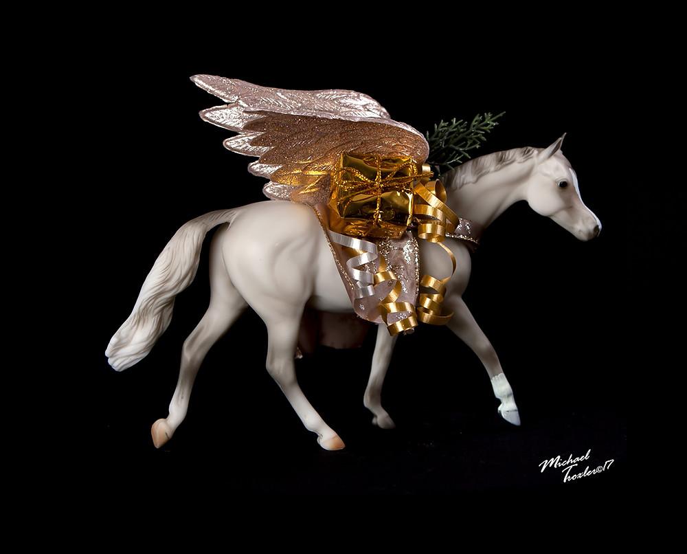 TeamTrox Holiday Breyer Horse, Hero 2017